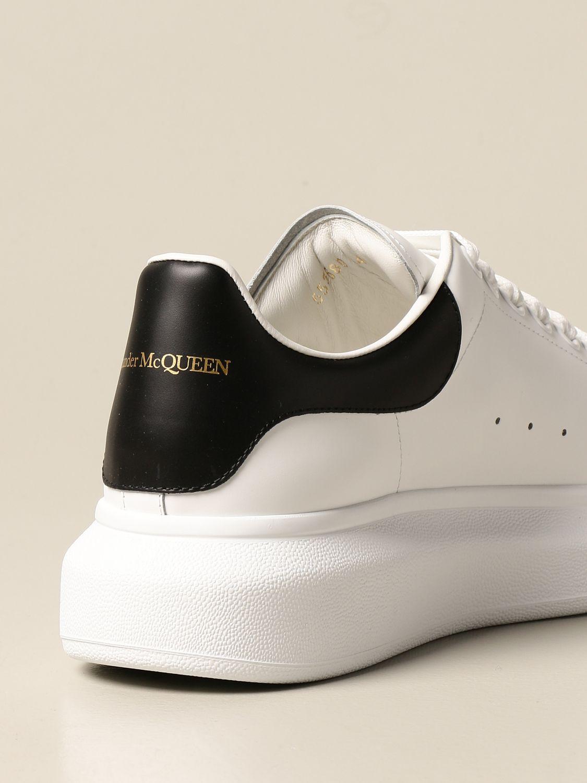 Sneakers Alexander Mcqueen: Sneakers Alexander McQueen in pelle con logo bianco 3
