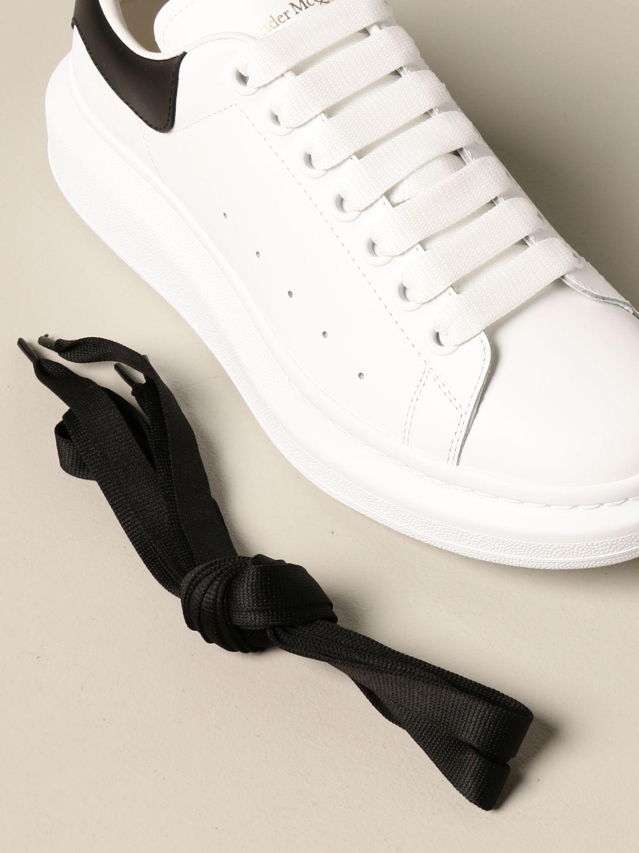 Sneakers Alexander Mcqueen: Sneakers Alexander McQueen in pelle con logo bianco 4
