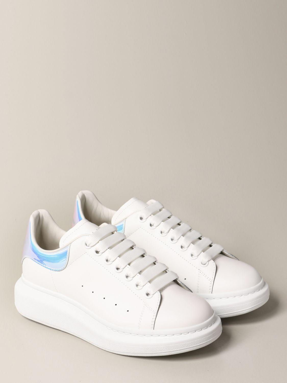 Sneakers Alexander Mcqueen: Sneakers Alexander McQueen in pelle con tallone iridescente bianco 2