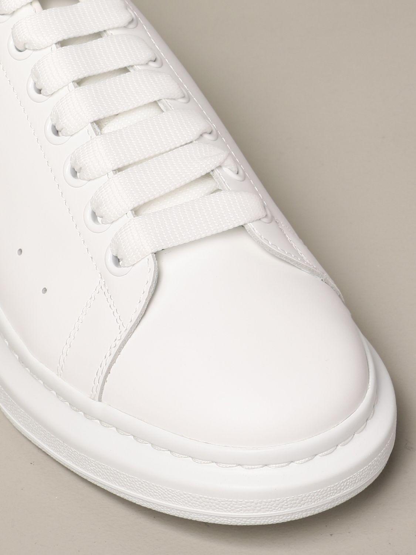 Sneakers Alexander Mcqueen: Sneakers Alexander McQueen in pelle con logo bianco 1 4