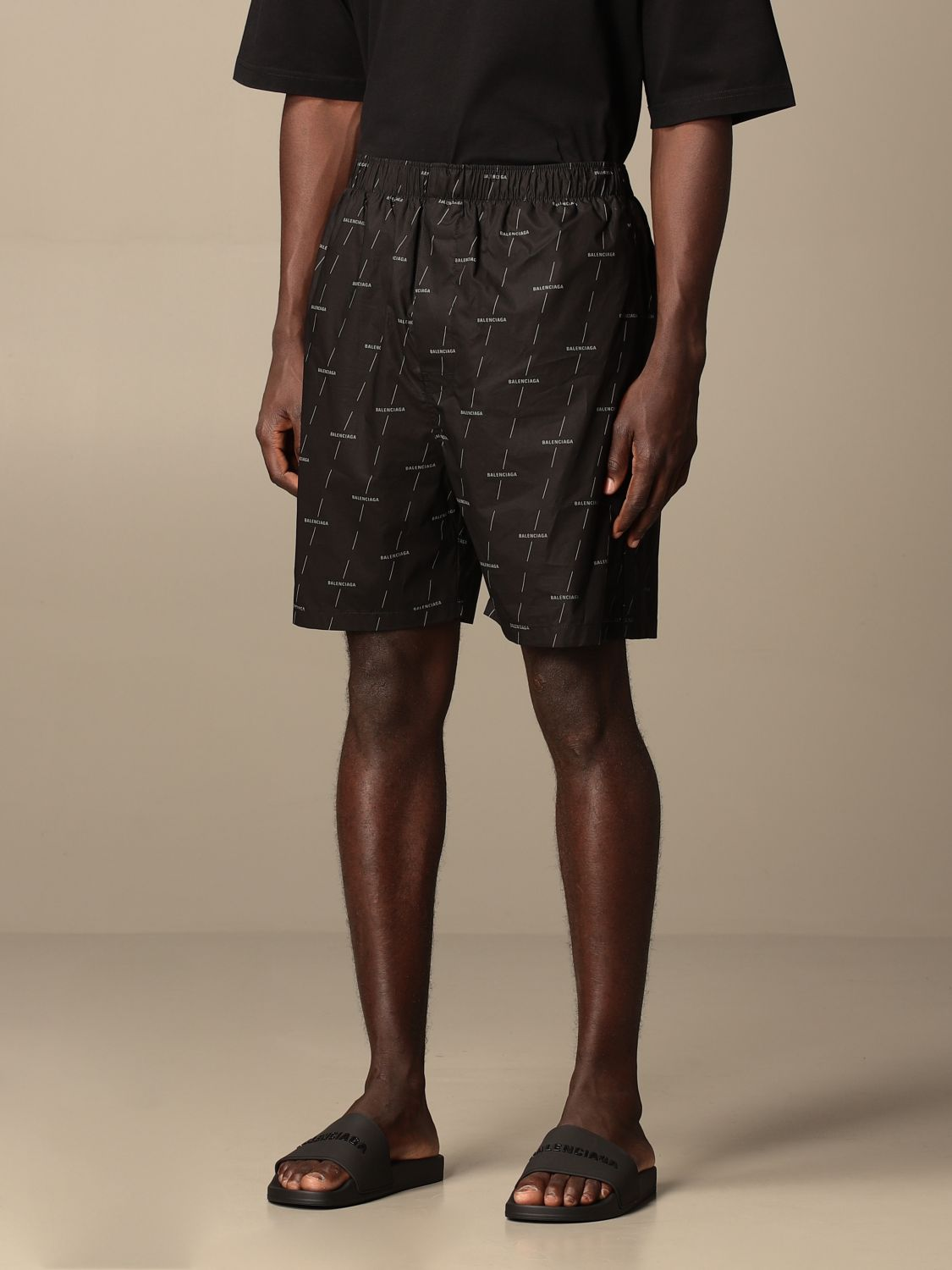 Short Balenciaga: Balenciaga jogging shorts in technical fabric black 4