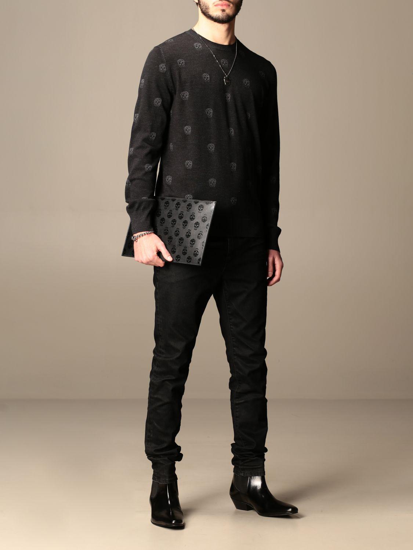 Jumper Alexander Mcqueen: Alexander McQueen crew neck sweater with skulls black 2