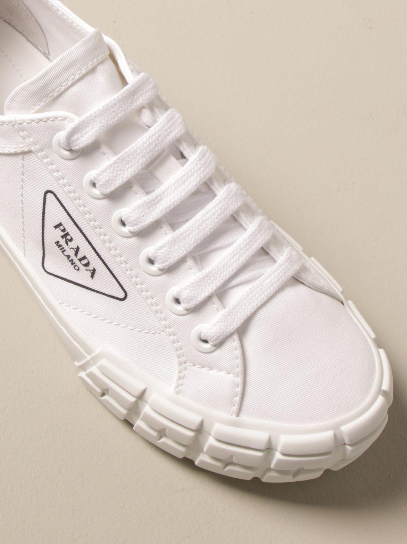 Sneakers Prada: Sneakers Prada in tela con logo triangolare bianco 4