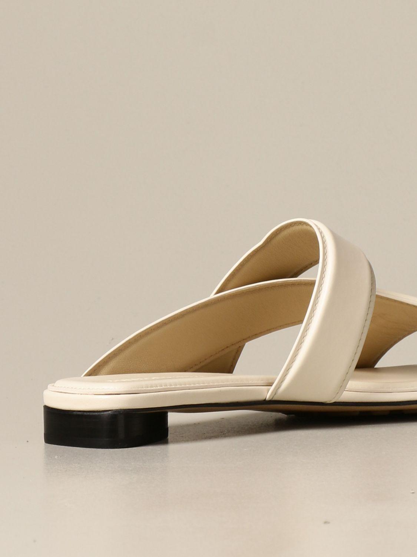 Босоножки без каблука Bottega Veneta: Босоножки на каблуке Женское Bottega Veneta белый 3