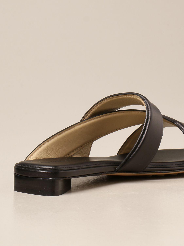Босоножки без каблука Bottega Veneta: Босоножки на каблуке Женское Bottega Veneta черный 3