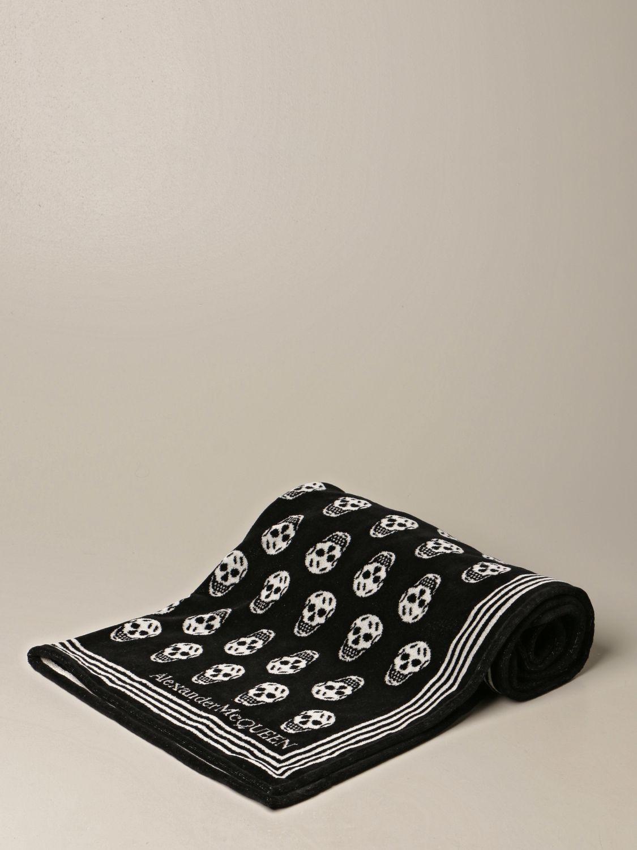 Telo da bagno Alexander Mcqueen: Telo mare Alexander McQueen con teschi nero 1
