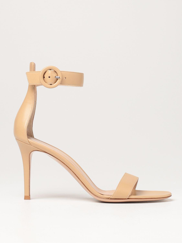 Sandalen mit Absatz Gianvito Rossi: Flache sandalen damen Sergio Rossi nude 1