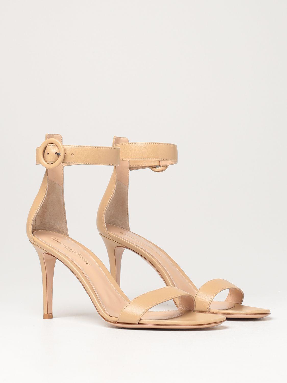 Sandalen mit Absatz Gianvito Rossi: Flache sandalen damen Sergio Rossi nude 2