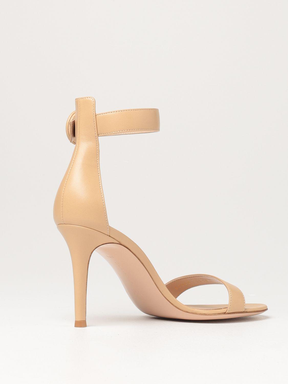 Sandalen mit Absatz Gianvito Rossi: Flache sandalen damen Sergio Rossi nude 3