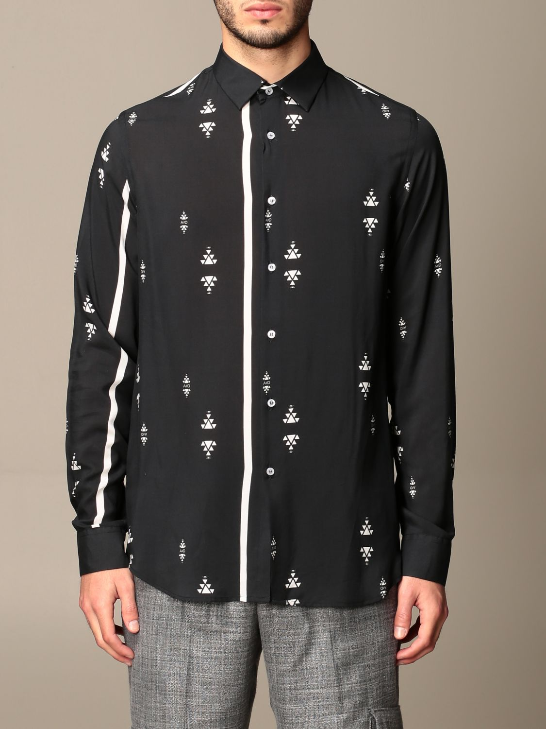 Shirt Alessandro Dell'acqua: Alessandro Dell'acqua shirt in patterned viscose black 1