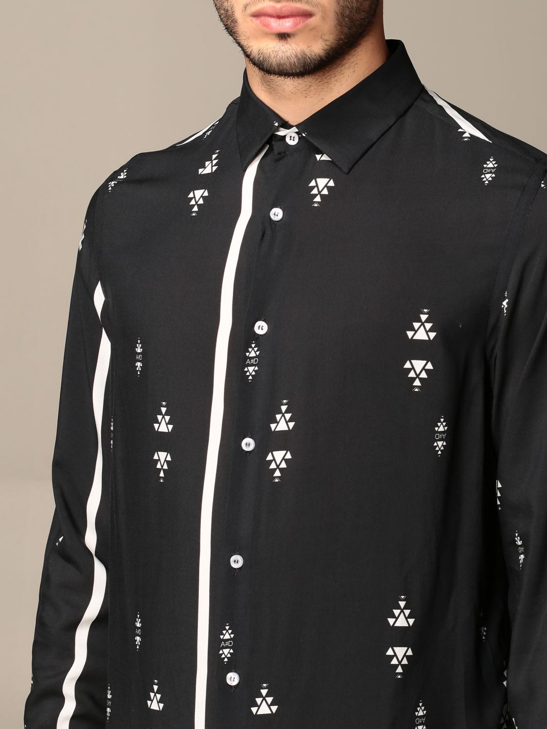 Shirt Alessandro Dell'acqua: Alessandro Dell'acqua shirt in patterned viscose black 4