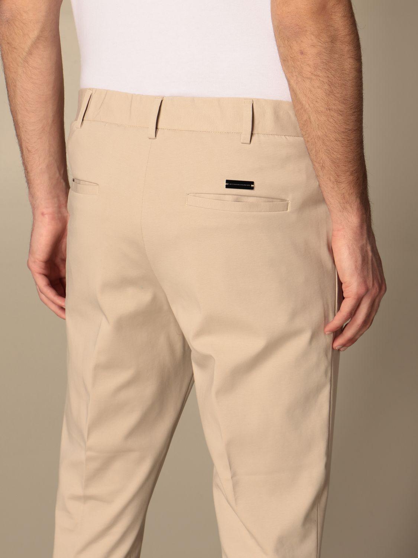 Pants Alessandro Dell'acqua: Alessandro Dell'acqua basic trousers in cotton beige 4