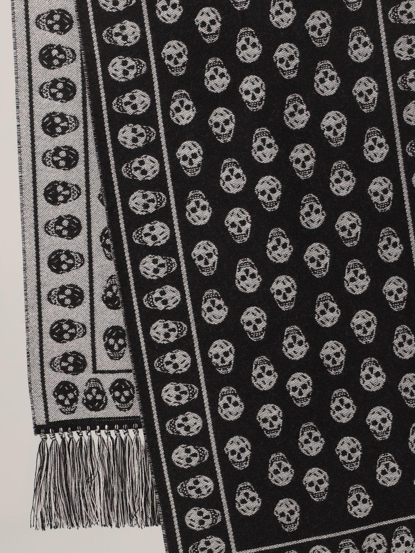 Scarf Alexander Mcqueen: Alexander McQueen wool scarf with all-over skulls black 3
