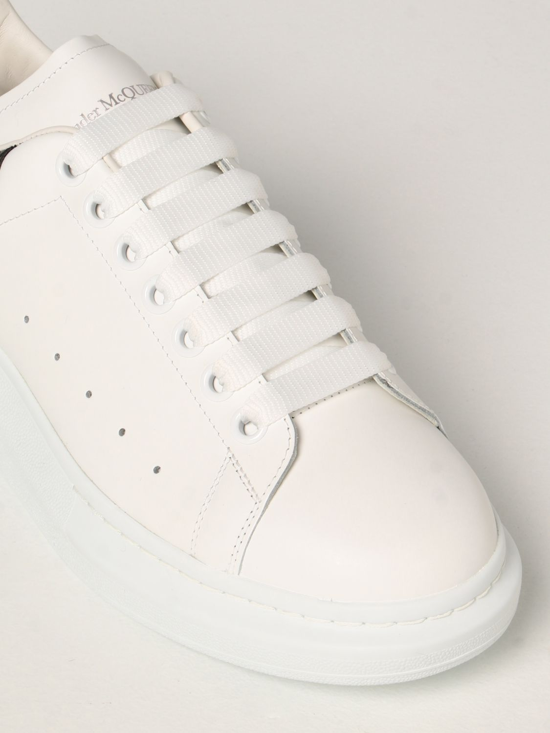 Trainers Alexander Mcqueen: Larry Alexander McQueen trainers in leather white 4