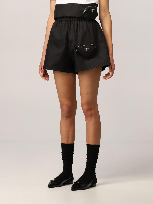 Pantaloncino Prada: Pantaloncino jogging Prada in nylon con pochette nero 4