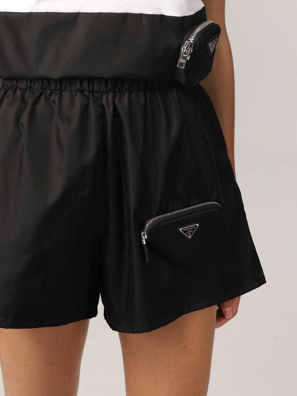 Pantaloncino Prada: Pantaloncino jogging Prada in nylon con pochette nero 5