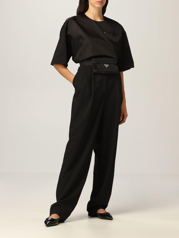 T-shirt Prada: T-shirt donna Prada in cotone e re-nylon con pouch e logo nero 2