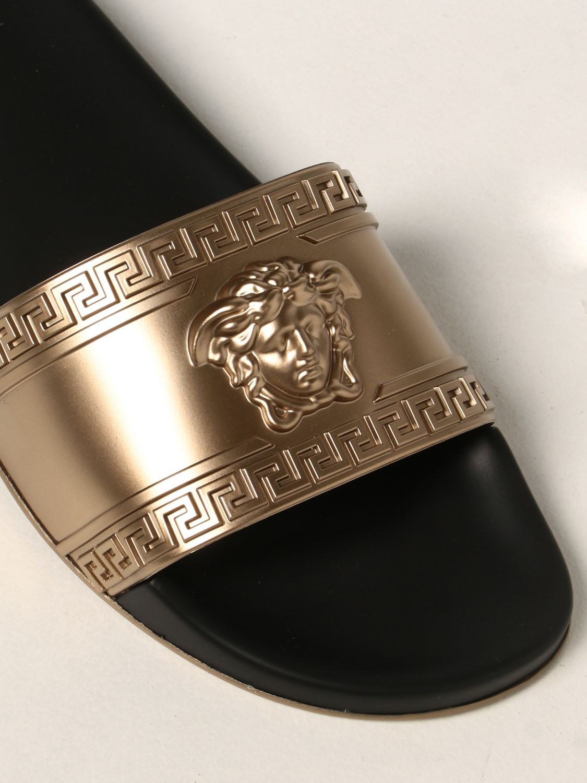 Sandali Versace: Sandalo Palazzo Versace in gomma con testa di Medusa oro 4