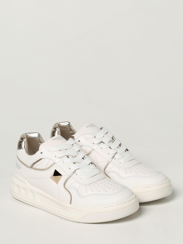 Sneakers Valentino Garavani: Sneaker Valentino Garavani in nappa con borchia bianco 2